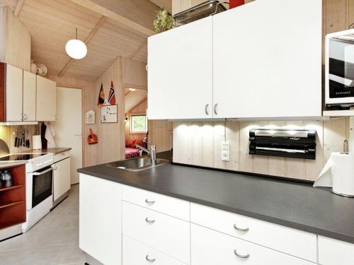 Three-Bedroom Holiday home in Bjert 3 in Sønder Bjert