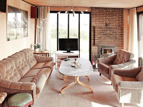 Two-Bedroom Holiday home in Ringkøbing 29 in Søndervig