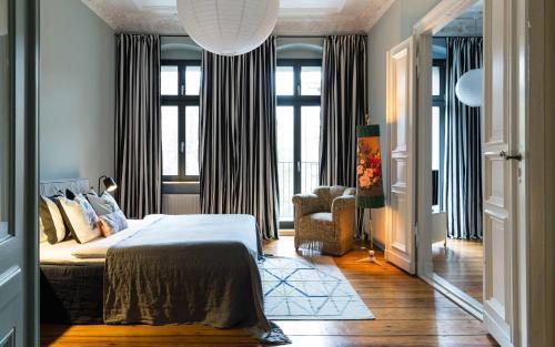 Brilliant Apartments photo 84