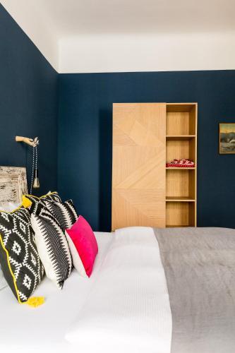 Brilliant Apartments photo 33