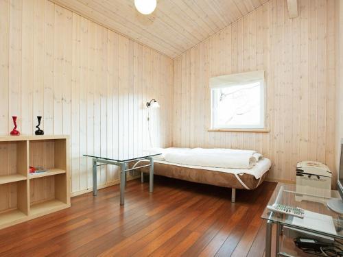 Holiday Home Falkevej VII in Bøtø By