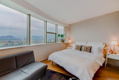 . Joy Premium Business Apartment