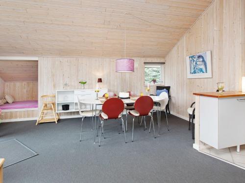 Holiday Home Dådyrstien in Bøtø By