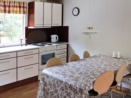 Three-Bedroom Holiday home in Væggerløse 33 in Bøtø By