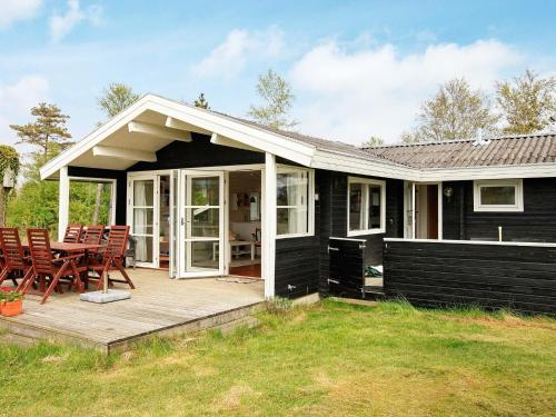 Three-Bedroom Holiday home in Ålbæk 57 in Ålbæk
