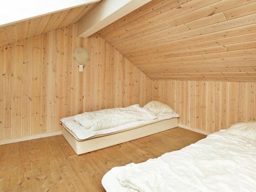 Six-Bedroom Holiday home in Rødby 1 in Rødbyhavn