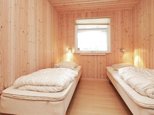 Six-Bedroom Holiday home in Rødby 2 in Rødbyhavn