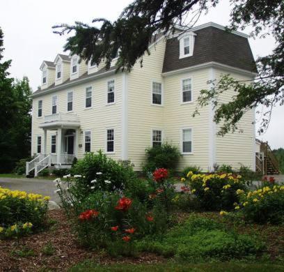 . DesBarres Manor Inn