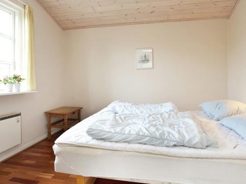 Two-Bedroom Holiday home in Allingåbro 6 in Nørager