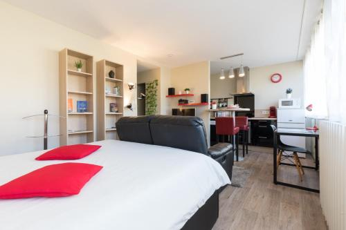 Chambery Appart Hotels - Apartment - Chambéry