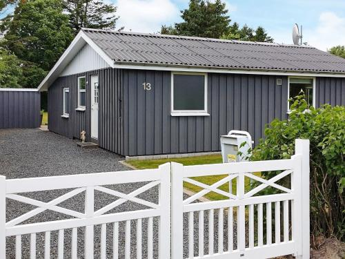 Three-Bedroom Holiday home in Storvorde 18 in Skelby