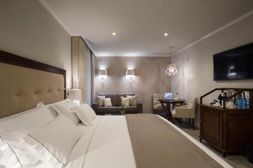 Habitación Doble adaptada para personas con movilidad reducida Hotel Casa Vilella 4* Sup 2