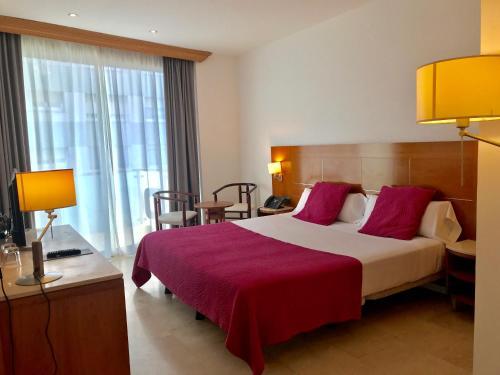 . Hotel Calasanz