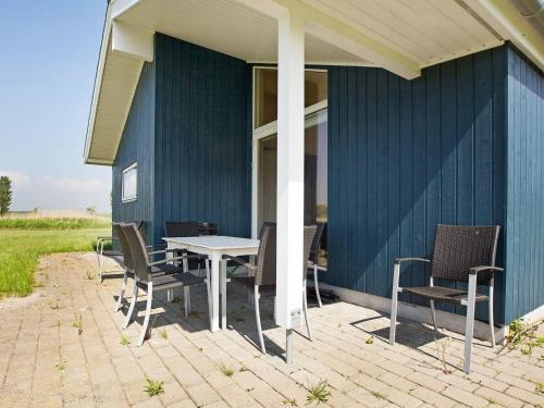 Holiday Home Myggefjed III in Rødby