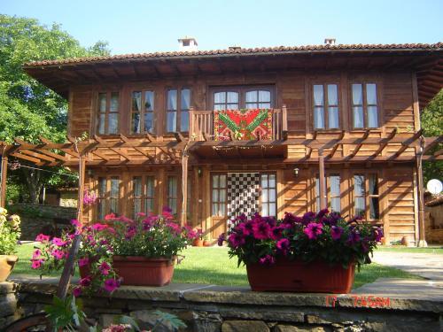 Kenara Guest House, Kotel