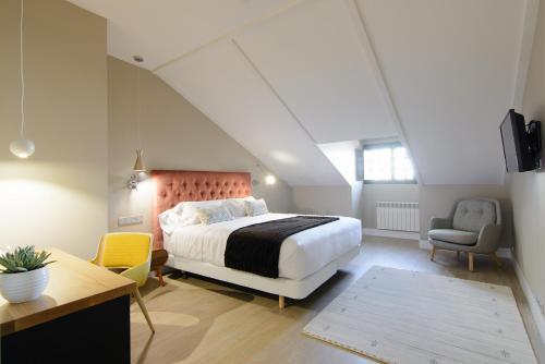 Habitación Doble Superior con cama grande Pazo de Mendoza 4