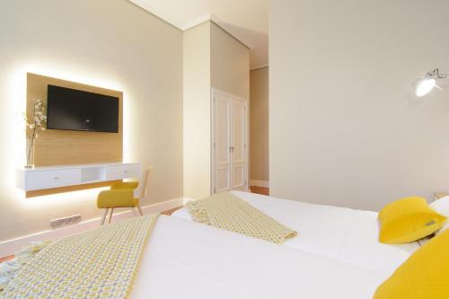 Habitación Doble Estándar - 2 camas  Pazo de Mendoza 9