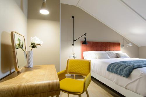Habitación Doble Superior con cama grande Pazo de Mendoza 8