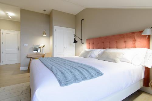 Habitación Doble Superior con cama grande Pazo de Mendoza 6