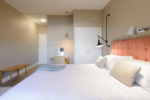 Habitación Doble Superior con cama grande Pazo de Mendoza 3