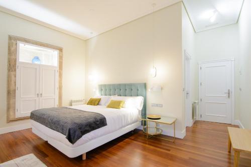 Habitación Doble Superior con cama grande Pazo de Mendoza 1