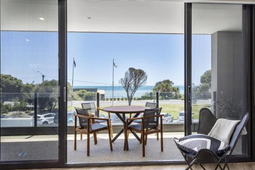 . Blairgowrie Apartment 1 - on the beach