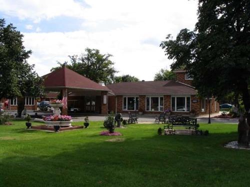 . Ivy Rose Motor Inn