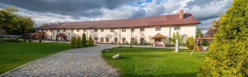 . Hotel Karczyce