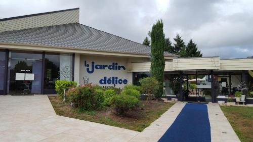 . Hotel Restaurant Le Jardin Délice