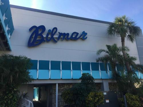 10650 Gulf Boulevard, Treasure Island, Florida 33906, United States.