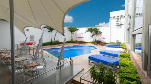 . Atlantis Plaza Hotel