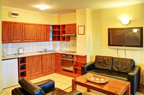 . Apartamenty & Restauracja Janus