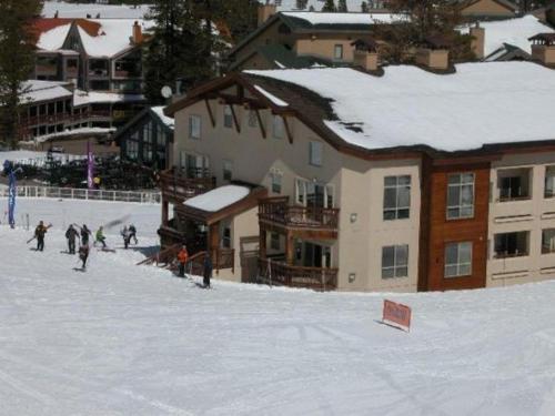 Mountain Club at Kirkwood - Ski In/Ski Out #320-322 - Kirkwood, CA 95646