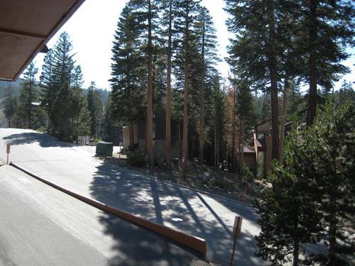 Courchevel 13 - Mammoth Lakes, CA 93546