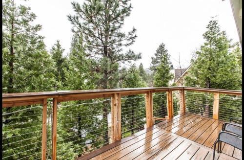 Grass Valley Lodge - Lake Arrowhead, CA 92352