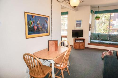 Sun Meadows Apartment - Kirkwood, CA 95646