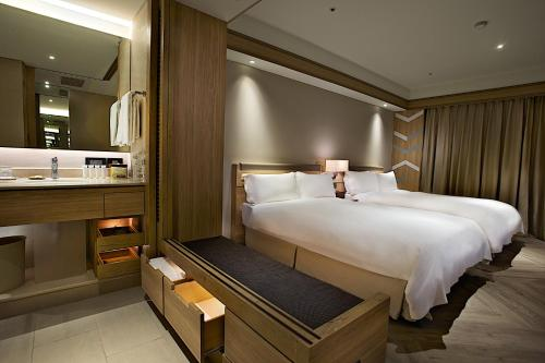豪華雙人房-附 2 張雙人床 (Deluxe Double Room with Two Double Beds)