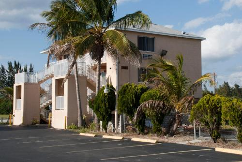 Tahitian Inn - Fort Myers Beach, FL 33931