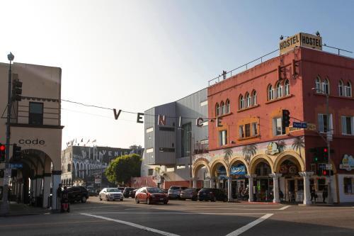 Ve Canal Adjacent Home - Venice, CA 90291