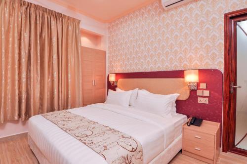 A Hotelcom Sunrise Beach Guest House Maafushi Maldives