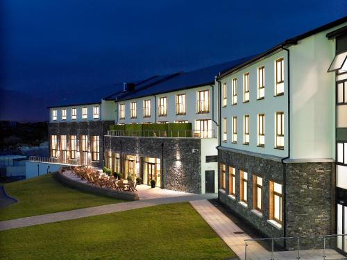 __{offers.Best_flights}__ Sneem Hotel
