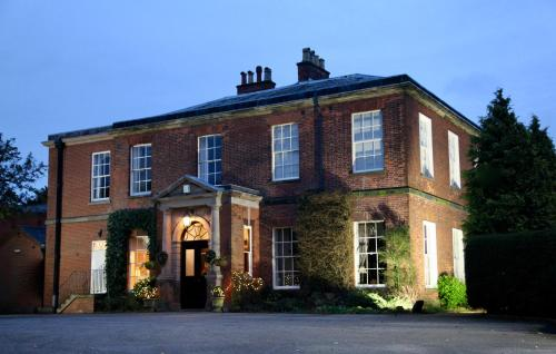 Dovecliff Hall Hotel (B&B)