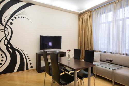 . MosApts 12 near Moscow City -3 rooms