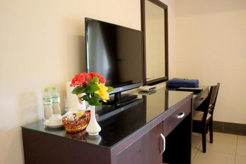 Phòng Deluxe Giường Đôi với Ban công (Deluxe Double Room with Balcony)