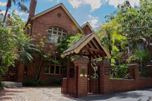 8 Challis Avenue Potts Point NSW 2011, Australia.