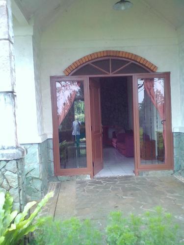 Villa Cisaat, Subang