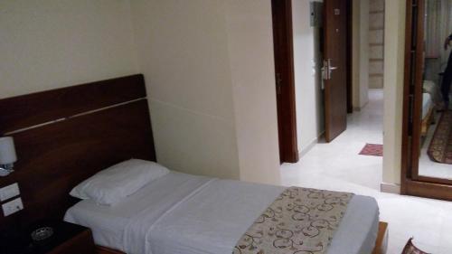 Pharaohs Hotel - image 13