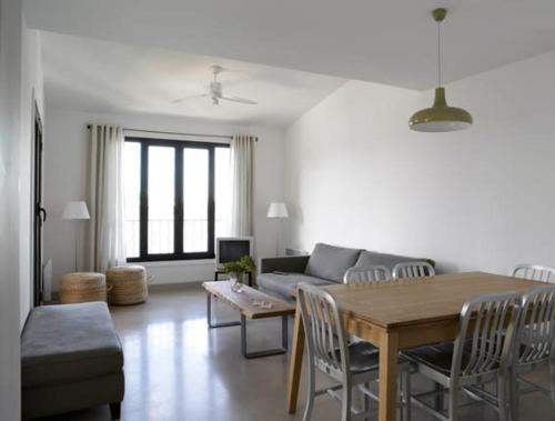 la cuve porto vecchio prices photos and reviews. Black Bedroom Furniture Sets. Home Design Ideas