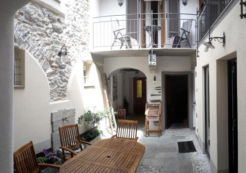 . Casa Petrolli