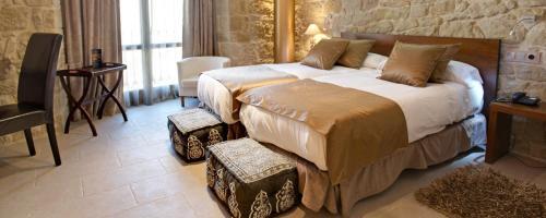 Superior Twin Room Hotel Palacio del Obispo 3